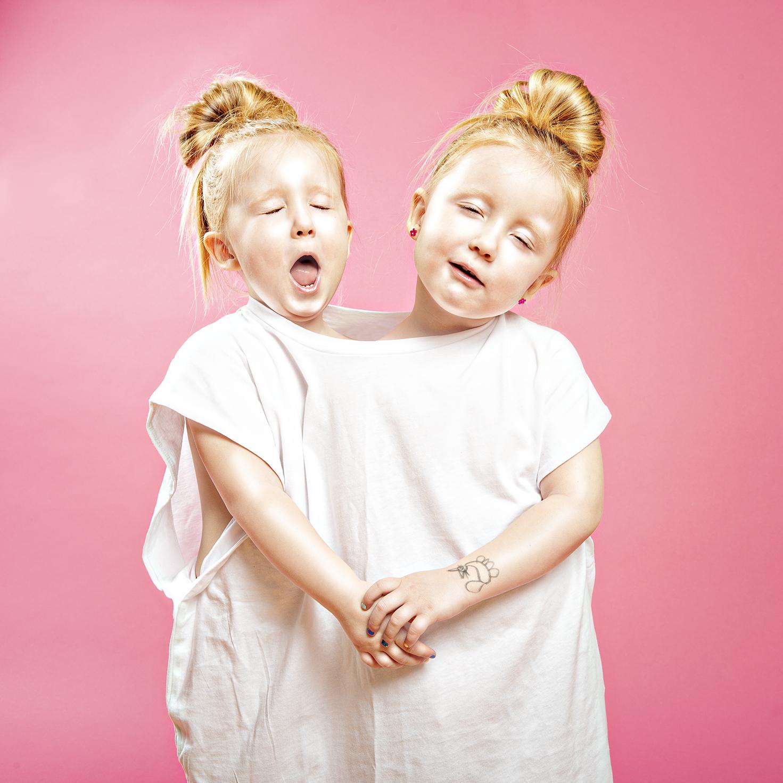 Siblings_1 internet